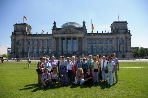 Cantare vor dem Reichstagsgebäude